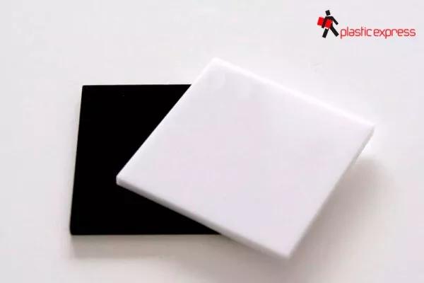 Metacrilato blanco y negro opaco