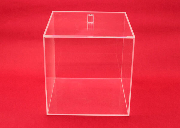 Square methacrylate box