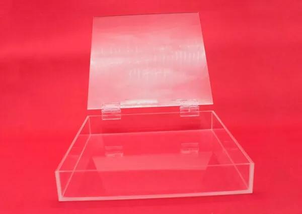 Caja con tapa y bisagra 3